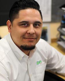 Jose Gonzalez, Procurement/Customer Service, 4Earth Farms